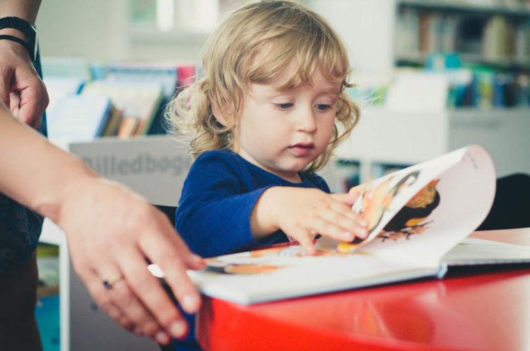 little girl reading family photography